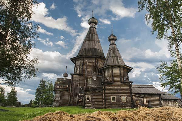 Деревянная церковь во сне