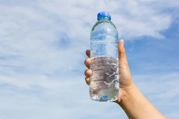 Газированная вода в бутылке