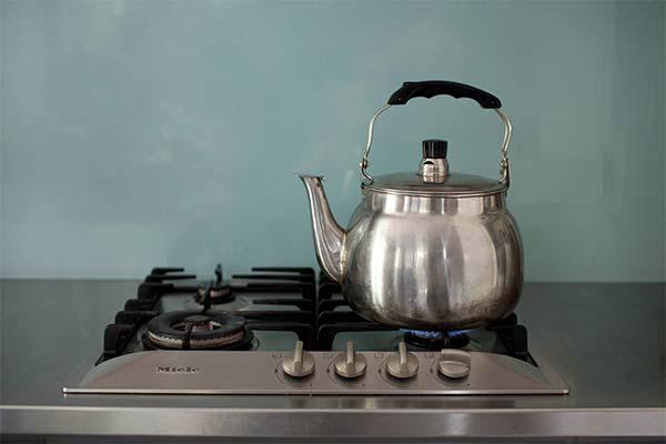 Где во сне стоял чайник