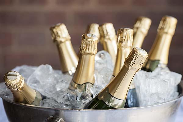 Какая приснилась бутылка шампанского