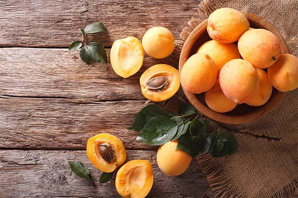 Кто кушает во сне абрикосы