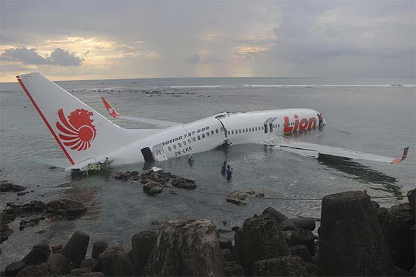 Куда во сне упал самолет
