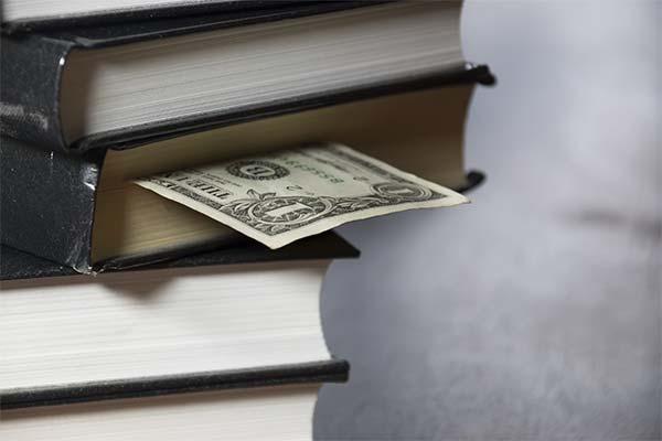 Найти деньги в книге