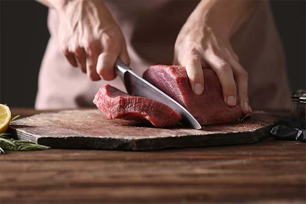 Резать мясо говядины во сне