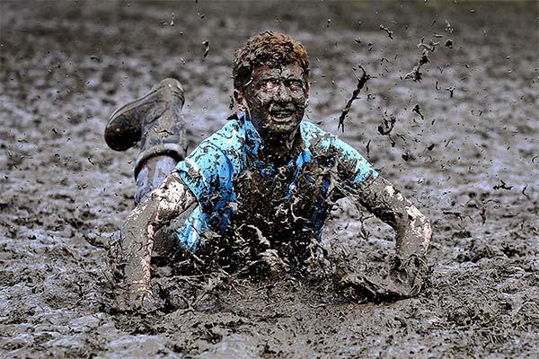 Сонник упасть в грязь