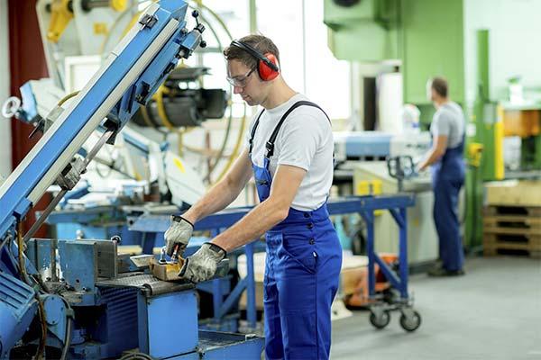Работать на заводе во сне