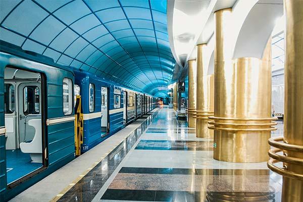 Вагон в метро