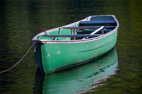 Зеленая лодка