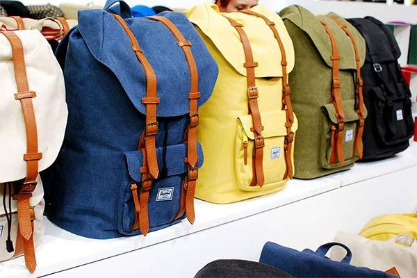 Какого цвета приснился рюкзак