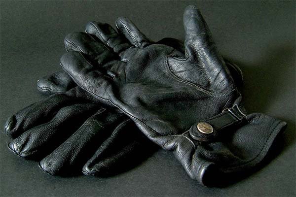 Кожаные перчатки во сне