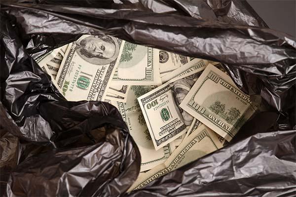 Пакет с деньгами во сне