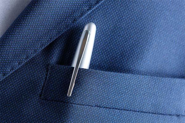Ручка в кармане