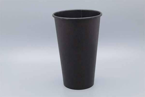 Черный стакан