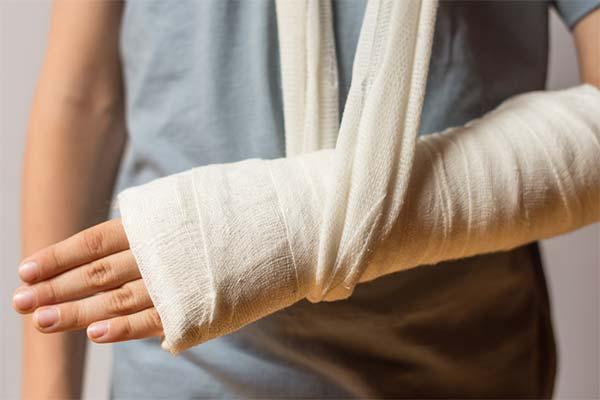 К чему снится сломанная рука