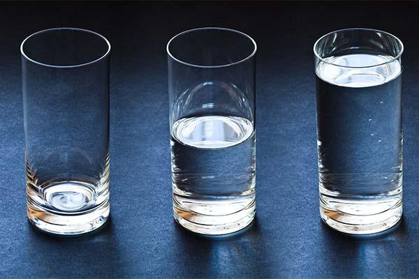 К чему снится стакан