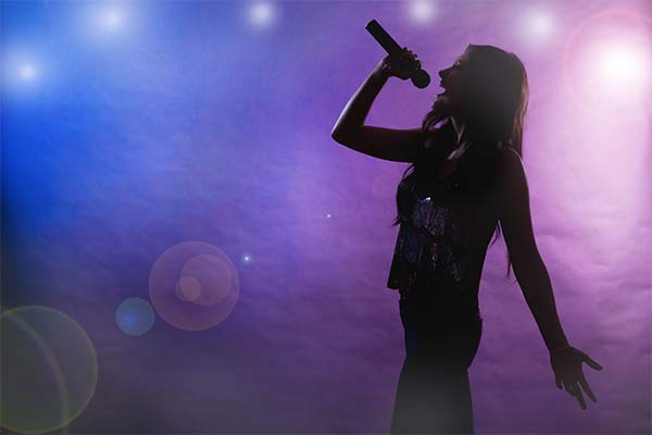 Петь на сцене во сне