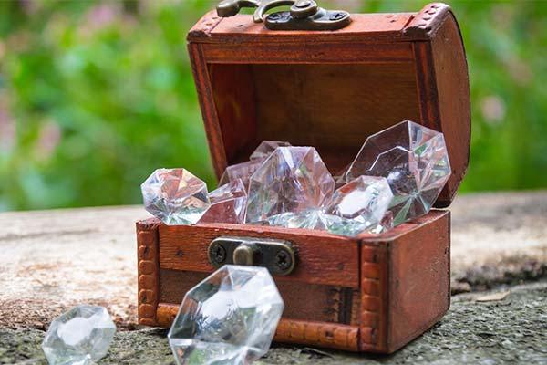 Алмазы в шкатулке