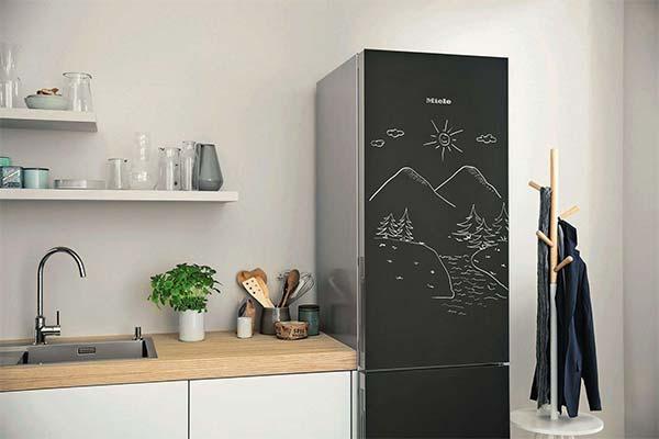 Черный холодильник во сне