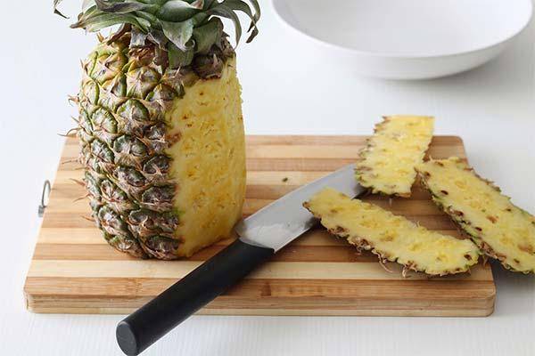 Чистить ананас во сне