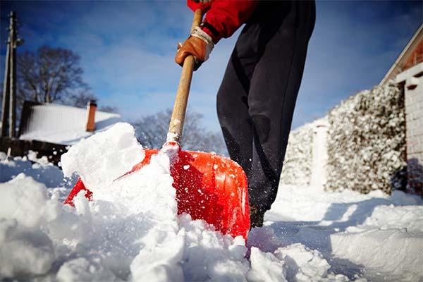 Чистить снег во сне