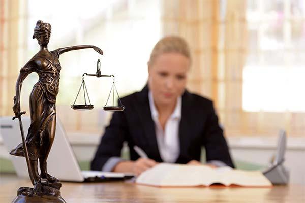 К чему снится адвокат