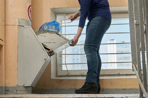 К чему снится уборка мусора