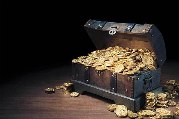 Сундук с золотыми монетами