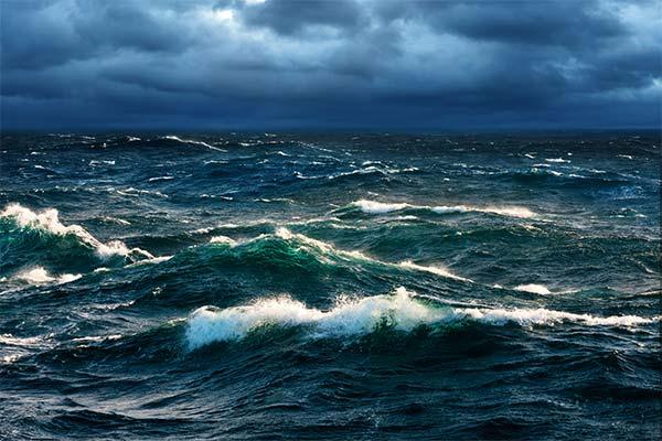 Шторм в океане во сне