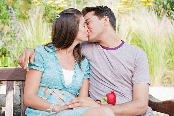 Сонник жена целуется с другим