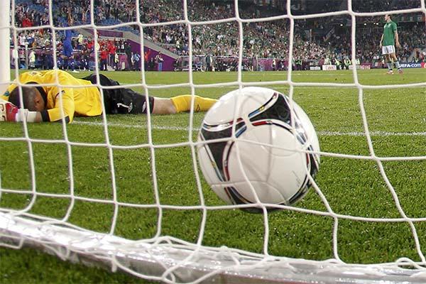 Забить гол с пенальти