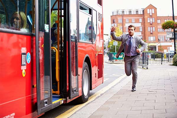 Сонник бежать за автобусом