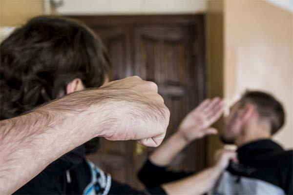 Сонник драться с другом
