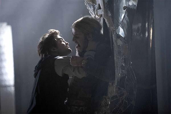 Сонник драться с вампиром