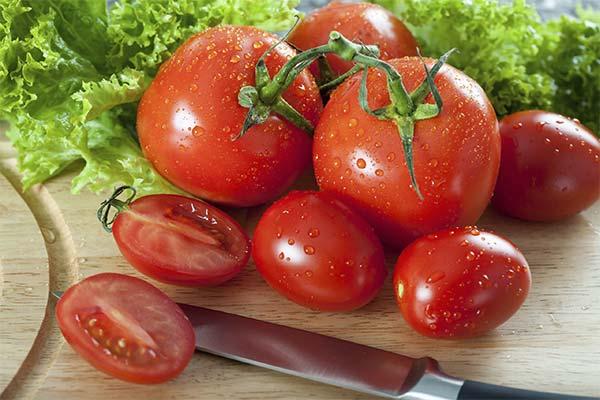 Сонник кушать спелые и свежие помидоры