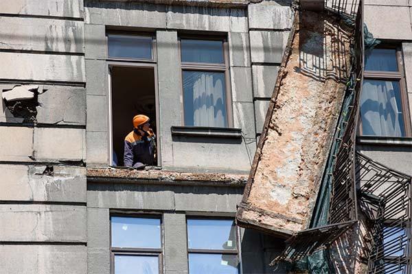 Сонник обвалился балкон