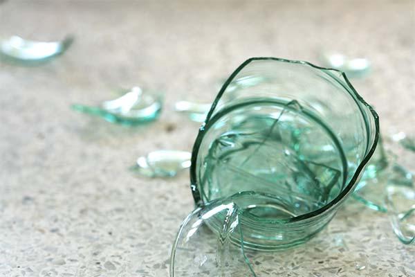 Сонник разбитая стеклянная банка