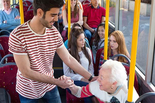 Сонник уступать место в автобусе