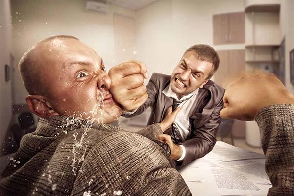 Сонник бить человека