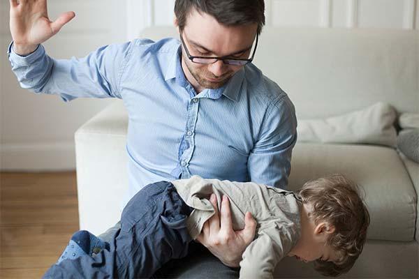 Сонник бить младенца