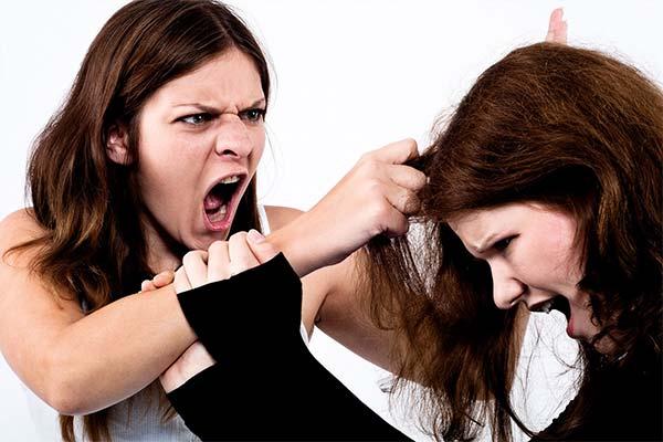 Сонник драться с соперницей