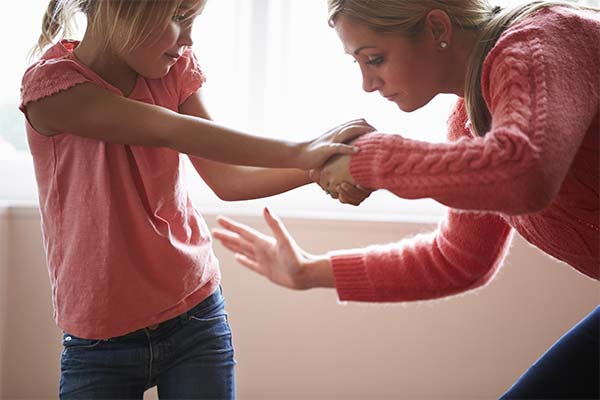 Сонник мать бьет дочь