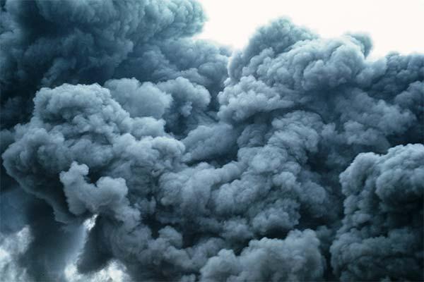 Много черного дыма